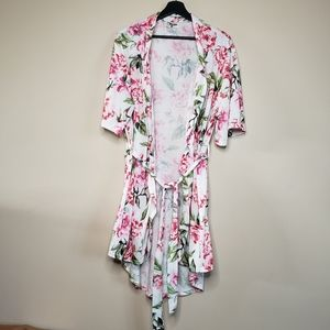 Show me your mumu floral robe one size